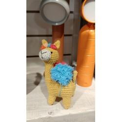 Muñeco Amigurumi Crochet Llama Chica con Pompones