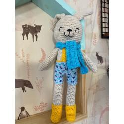Muñeco Amigurumi Crochet conejo con jardinero y bufanda