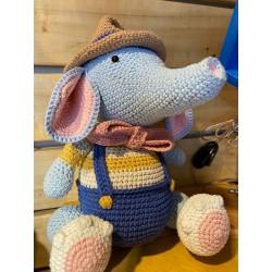 Muñeco Amigurumi Crochet Elefante con gorro