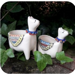 Maceta de Ceramica Artesanal Llama Parada o Acostada